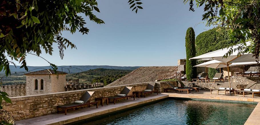 Crillon le Brave elected best Resort in France